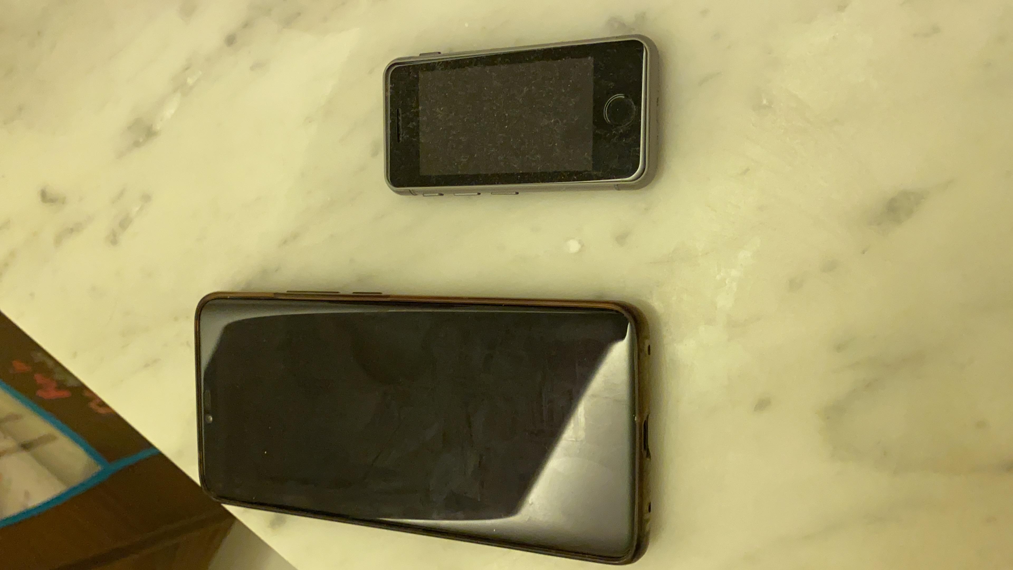iPhone mini ature